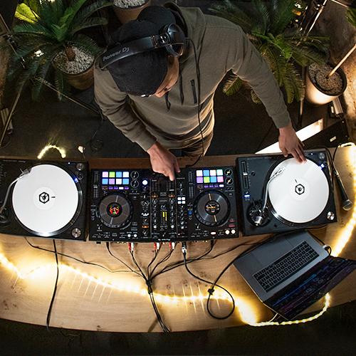 ddj-800-audio-mixer
