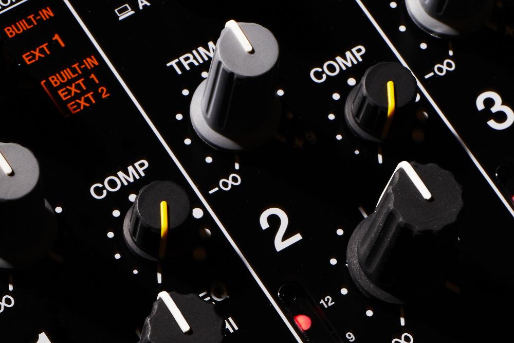 Compressor knob on each channel