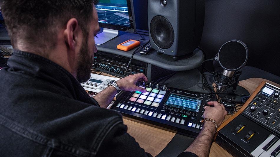 OC & Verde TORAIZ studio set-up