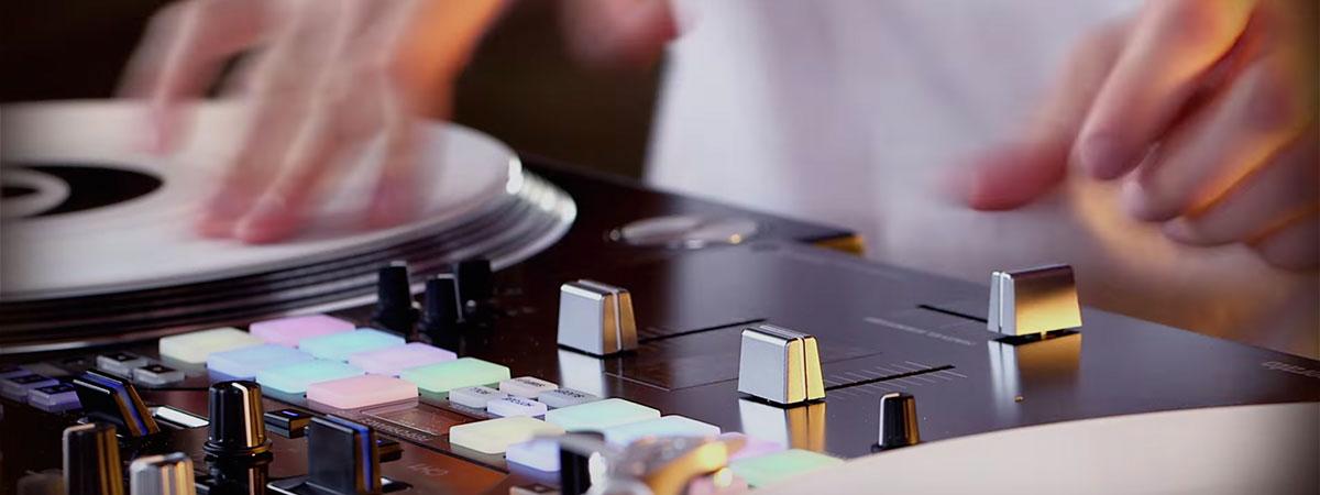djm-s9-ESKEI83-Performance-vid
