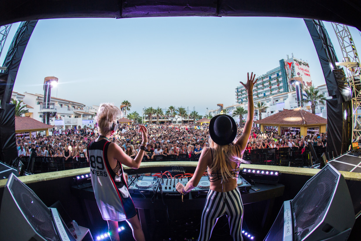 August 2015 - Nervo - Pool Position - pic3