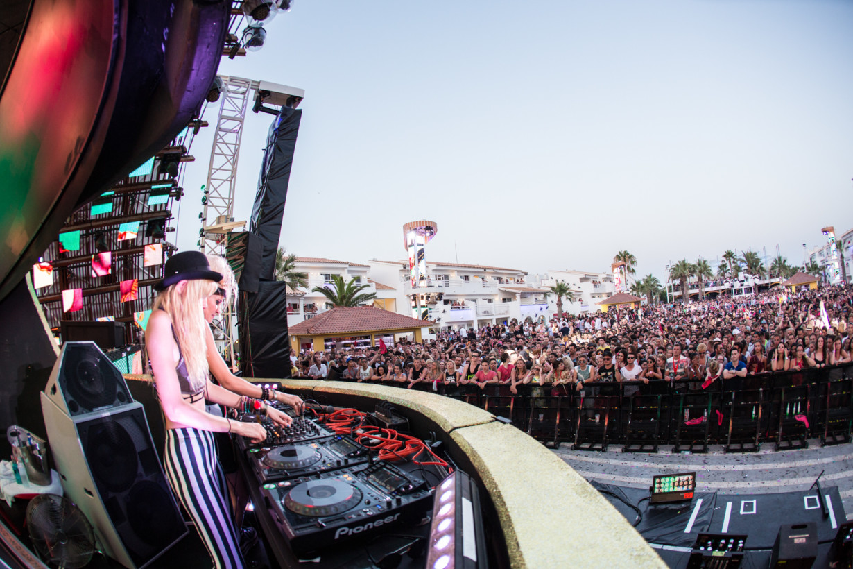 August 2015 - Nervo - Pool Position - pic7