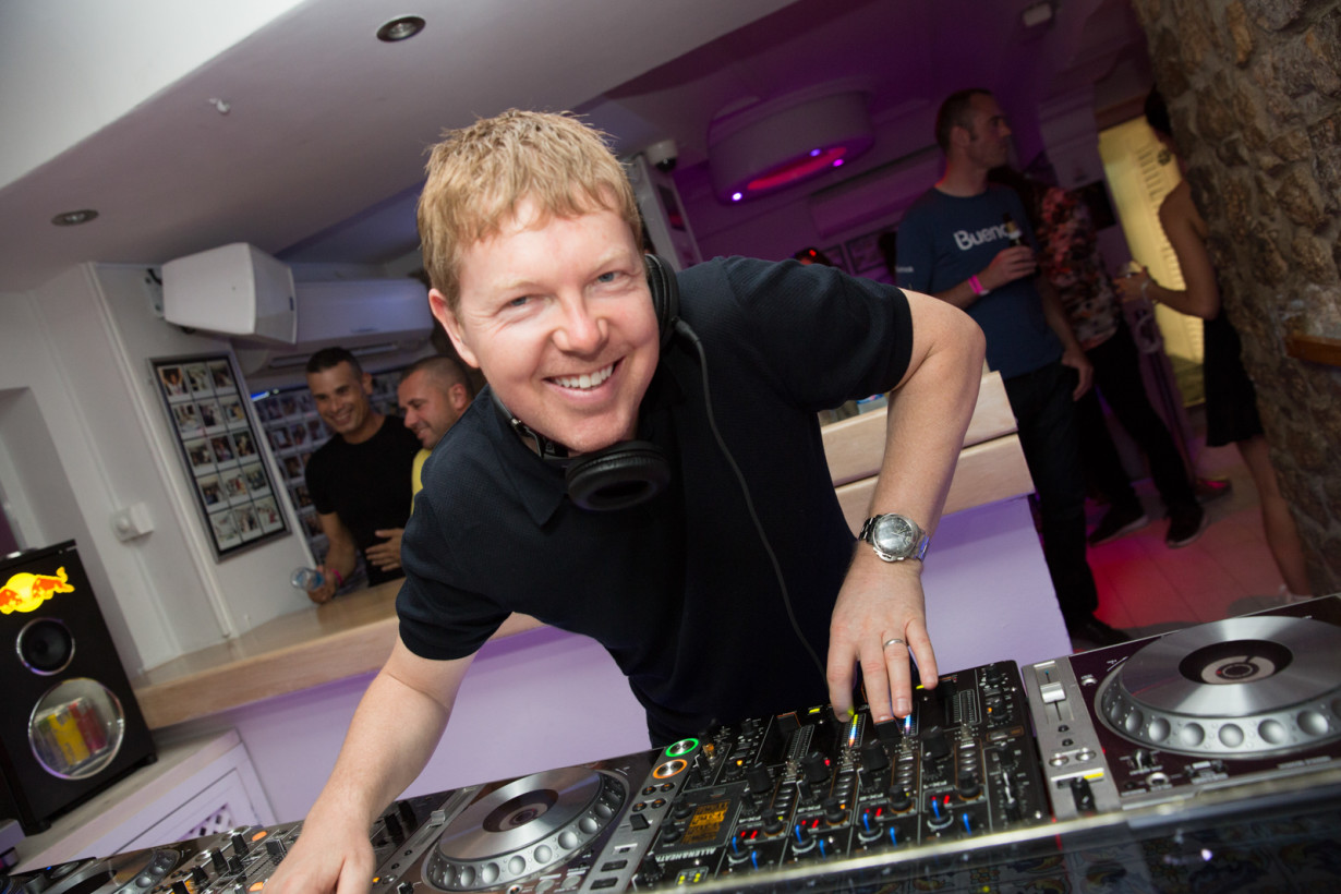 July 2015 - John Digweed - Insane pre-party - pic1