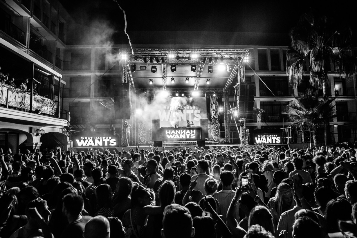 September 2015 - Hannah Wants - War! Closing Party - Pic7