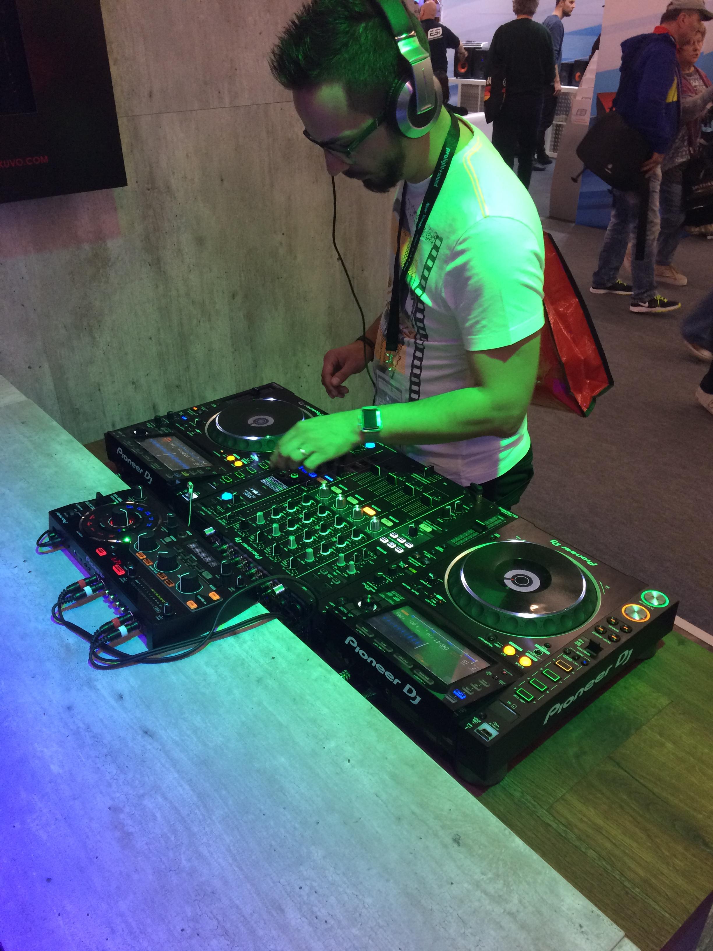 musikmesse-nxs2-setup-rmx-500