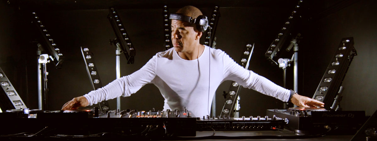 Erick Morillo on the CDJ-2000NXS2 and TORAIZ SP-16