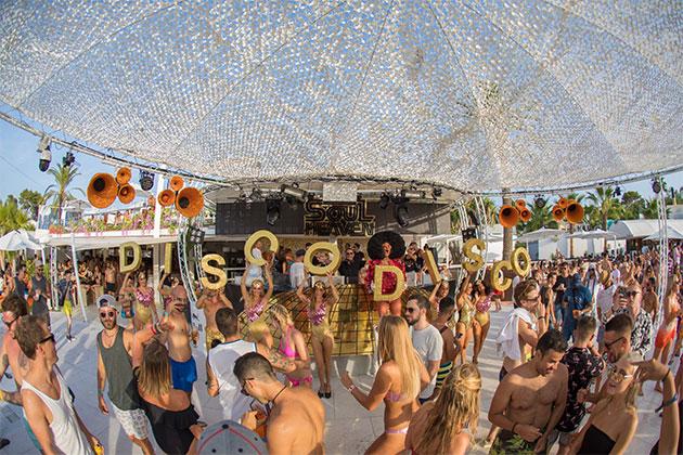 Pioneer DJ на вечеринке в бассейне Soul Heaven на Ибице