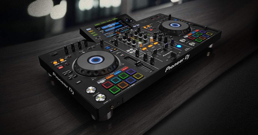 Cabina con Herencia: Conoce el nuevo sistema de DJ (todo en uno) XDJ-RX2  para rekordbox™ – diseño profesional, pantalla táctil de 7 pulgadas y  pads multicolores para directo - Noticias - Pioneer DJ Noticias
