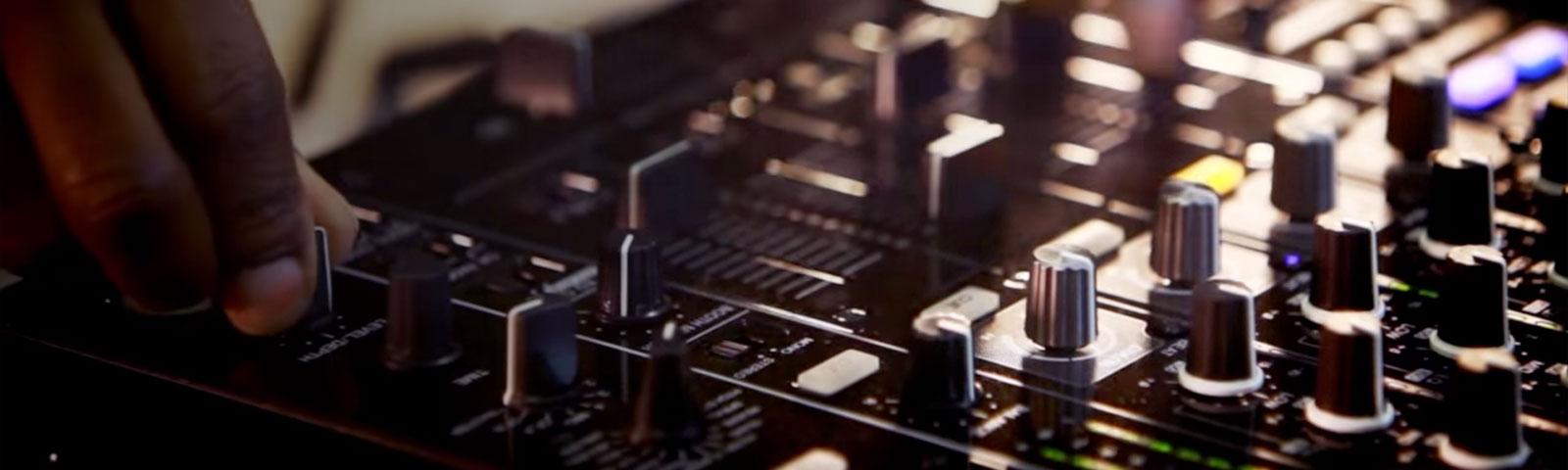 DJM-850 header
