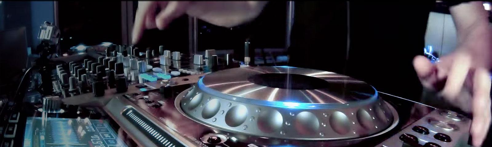 CDJ-2000NXS-M header